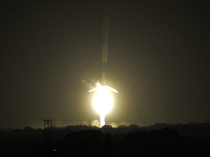 16_SpaceX rocket nails world-first landing